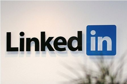 Good News!  Linkedin Finally Enabled User Name Tagging