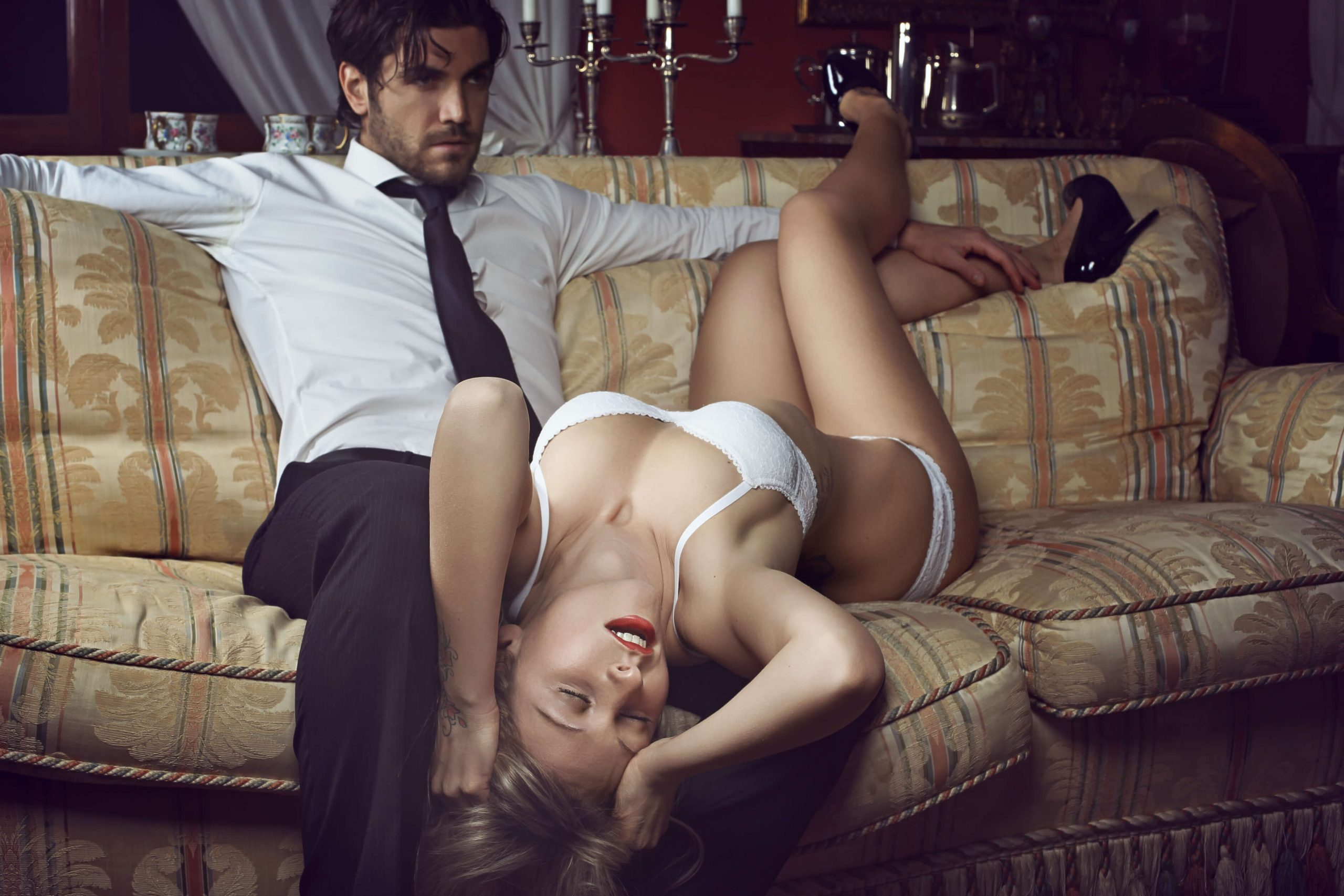 Why The Best Salesmen Get The Hottest Girls