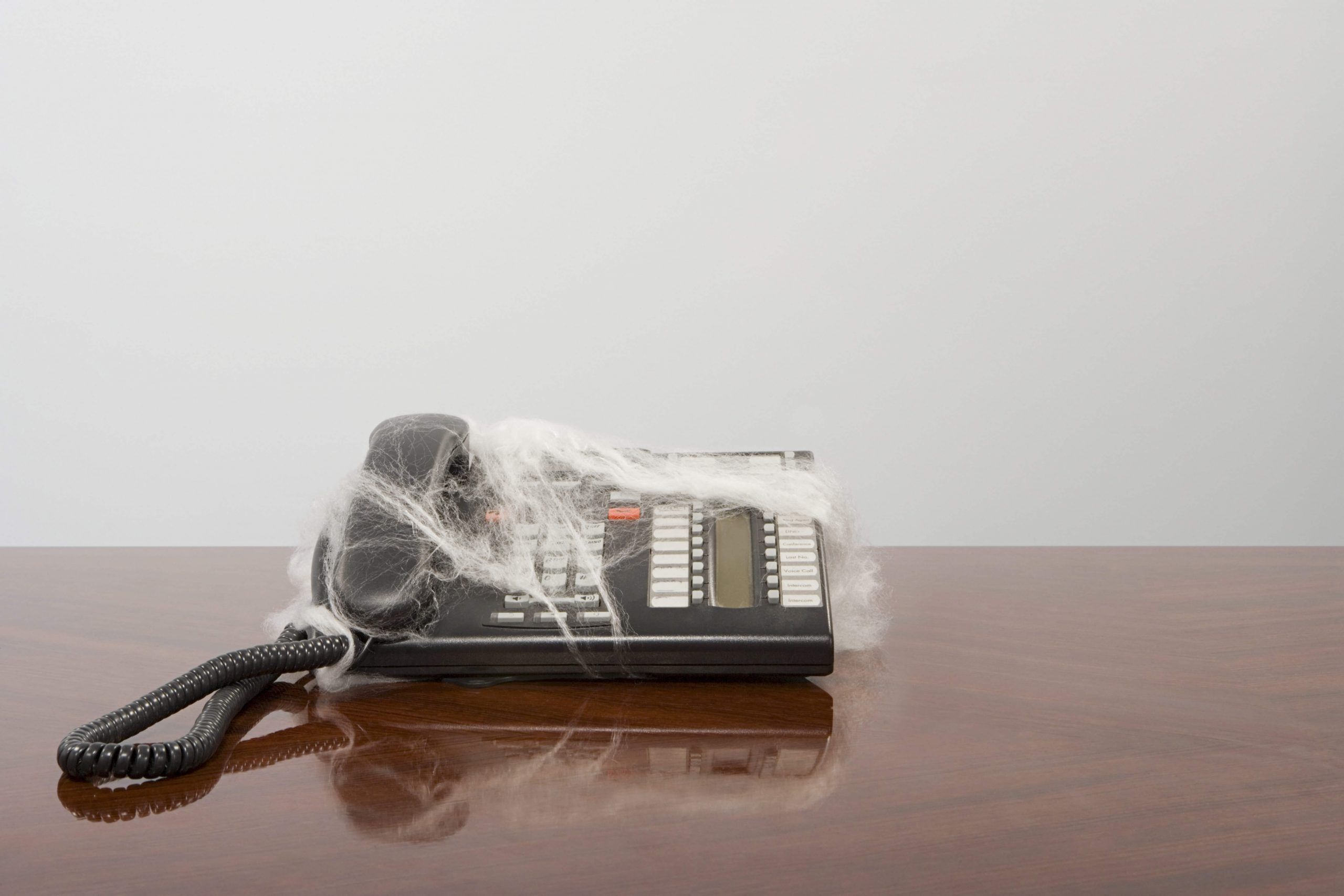 How To Close Sales Without Ever Picking Up The Phone