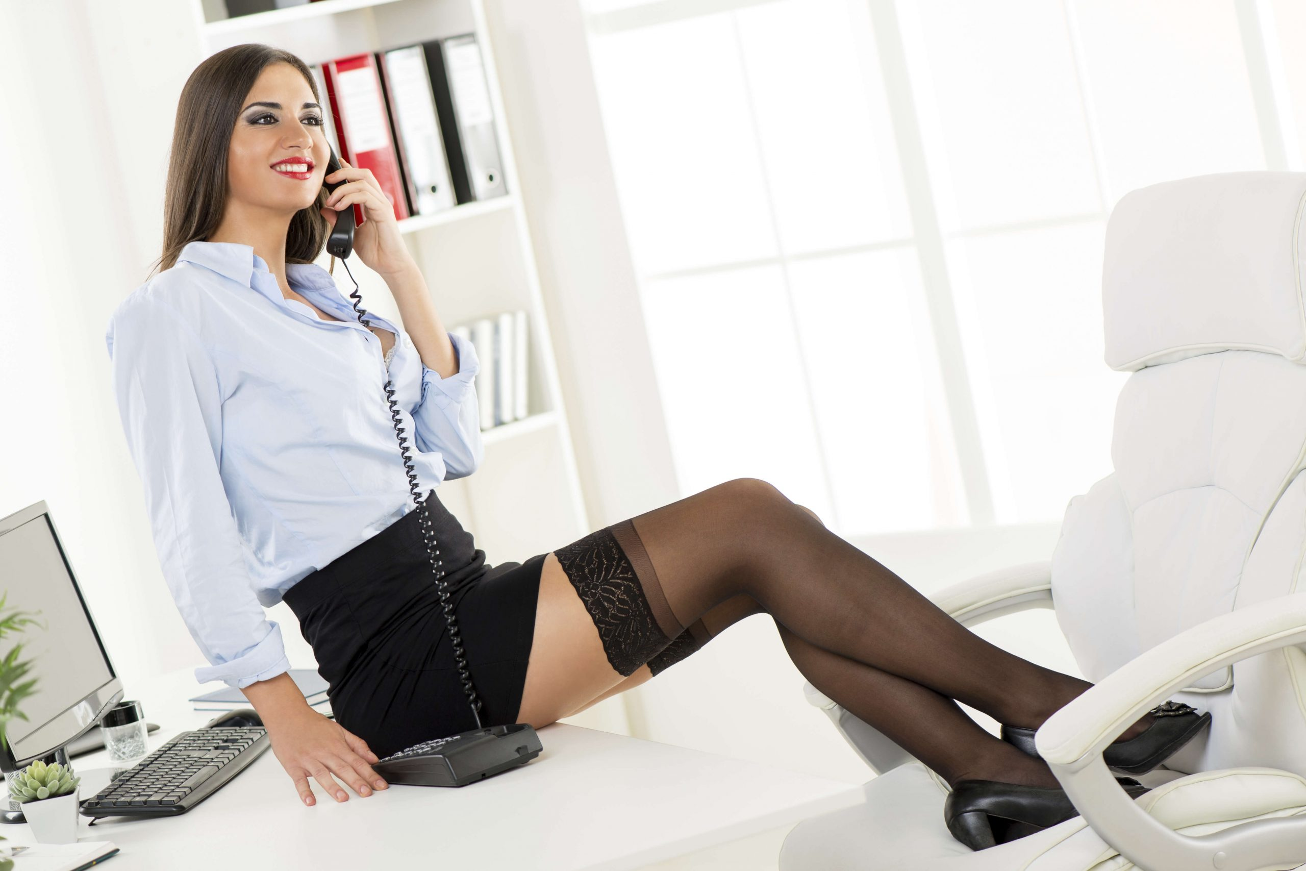 How To Stay Focused At Work When The New Girl Is Smoking Hot